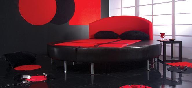 Kırmızı Yatak Odası (2)