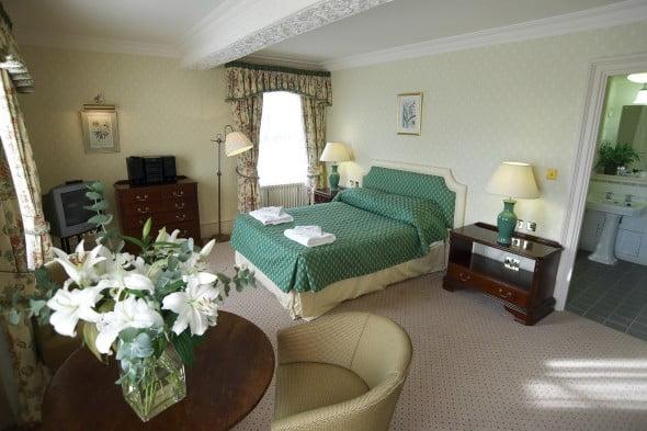 Yeşil Beyaz Yatak Odası (15)