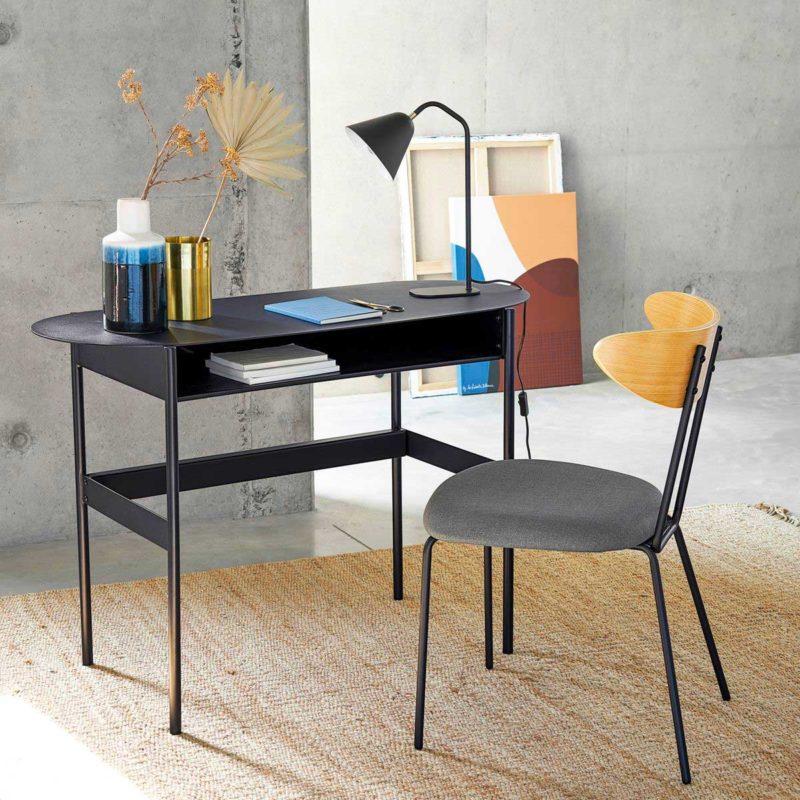 Çağdaş siyah metal masa