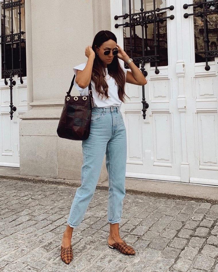 kot-beyaz-tişört-klasik tarz