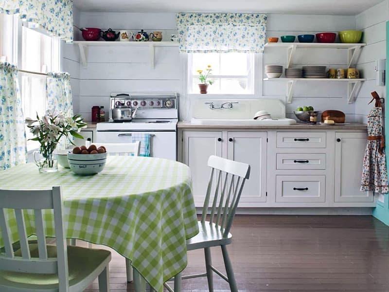 Mutfakta rahatlık yaratmak için kumaş kullanmak