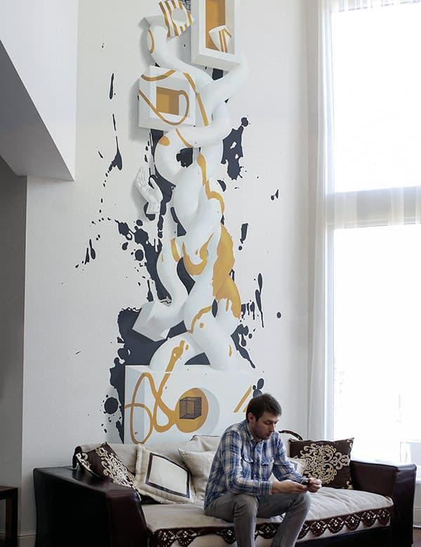 Duvardaki sanat ile odada rahatlık