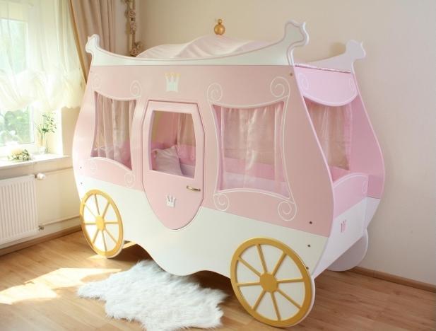 araba-şekilli-bebek-odasi-takimi-modeli