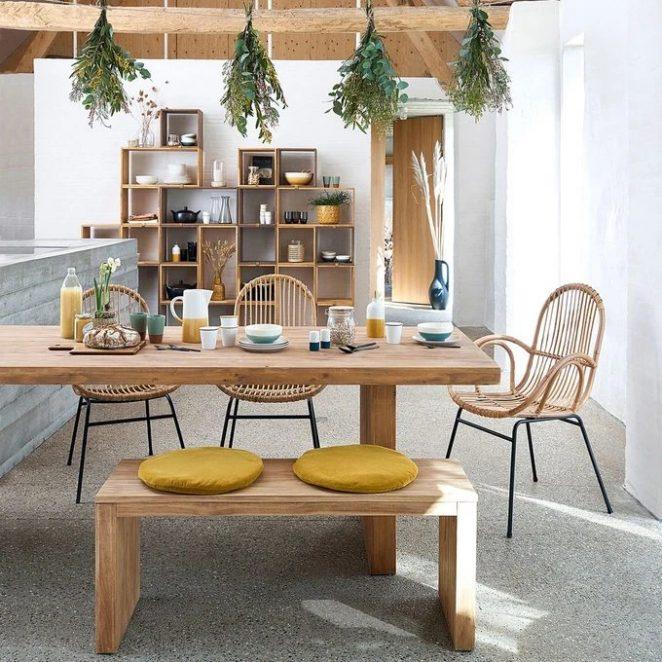 Sarı veya yeşil tonlarda seramik gibi malzemeleri öne çıkaran bu masa için bohem esin kaynağı