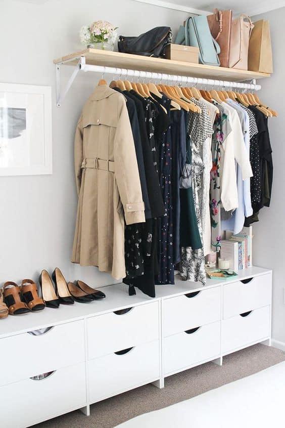 Yatak odanızda açık bir giyinme odası