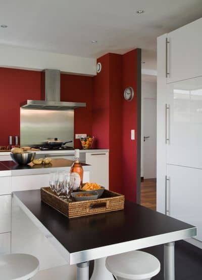 16-Bet-on-a-kitchen-in-red