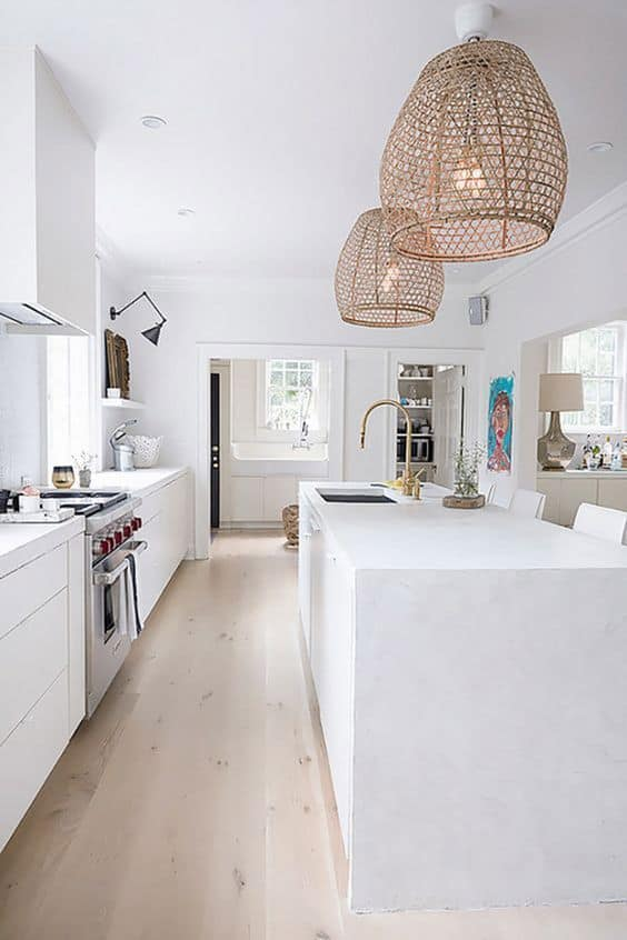 Her şeye sahip bir mutfak: ankastre, asma ve duvara monte