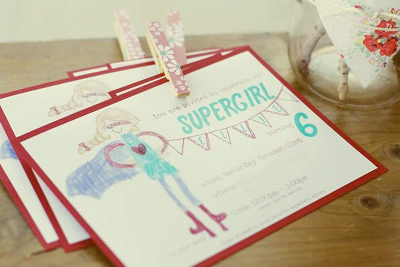 çocukların doğum günü davetlerini dekore edin