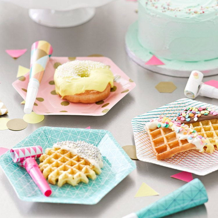 orijinal doğum günü partileri tek kullanımlık yemekler