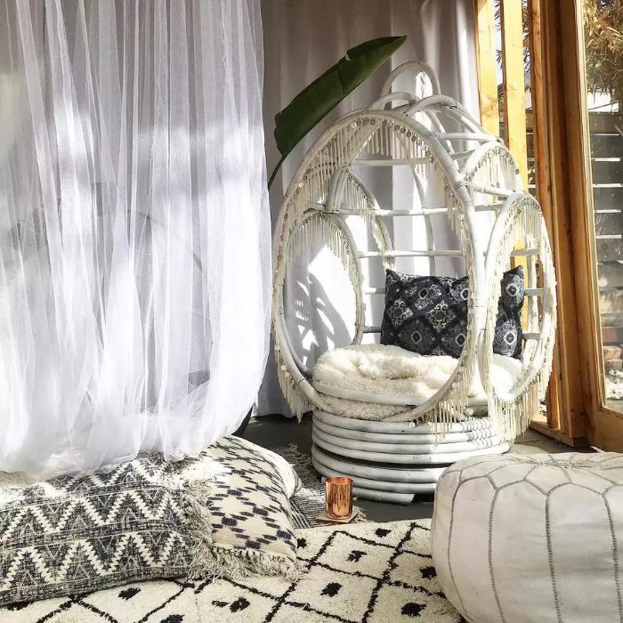 meditasyon boho odası dekorasyonu