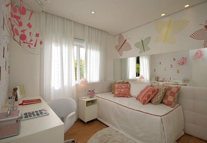 geometrik ve renkli dekorlu kız odası
