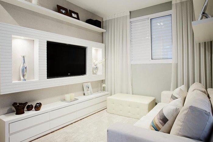 nötr ve minimalist oturma odası