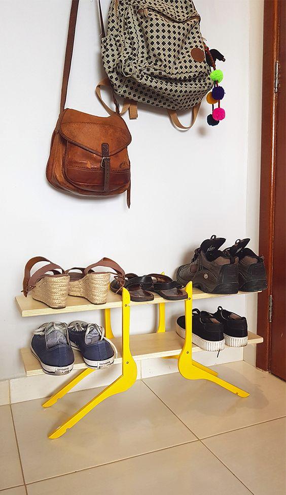 Oturma odası fikri için ayakkabıcı