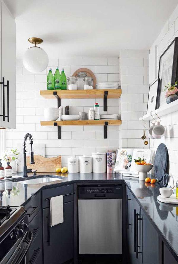 U şeklinde bir mutfak için siyah beyaz tasarım