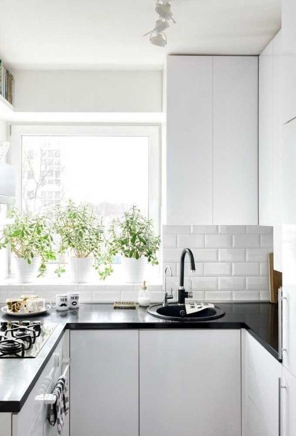 beyaz parlak mutfak U şekli mutfak