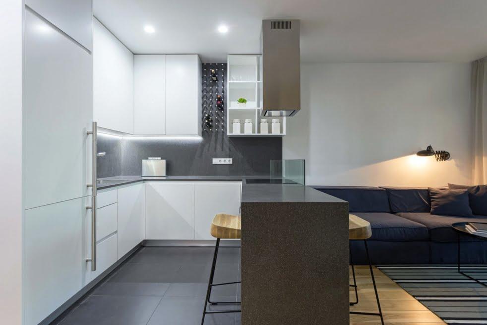 Mutfak ve oturma odasi nasil birlestirilir ve alani dogru sekilde
