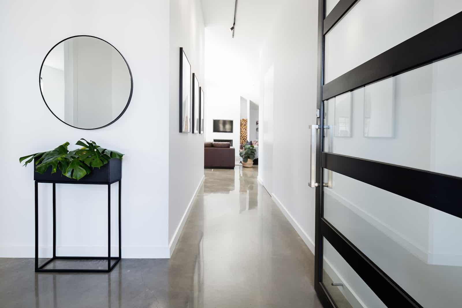 Koridorunuzun duvarlarını boyamak için 6 renk aralığı