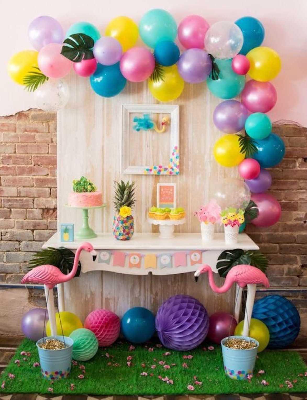 Doğum günleri ve özel tarihler için dekore edilmiş 5 masa
