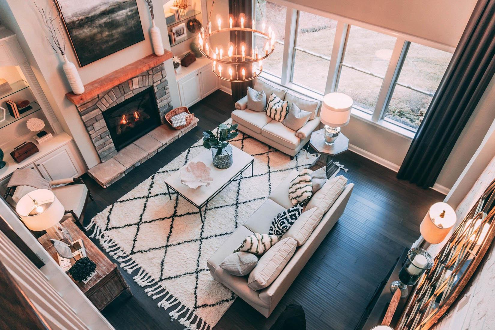 Çalışmadan ve mobilyayı değiştirmeden bir oturma odası nasıl yenilenir