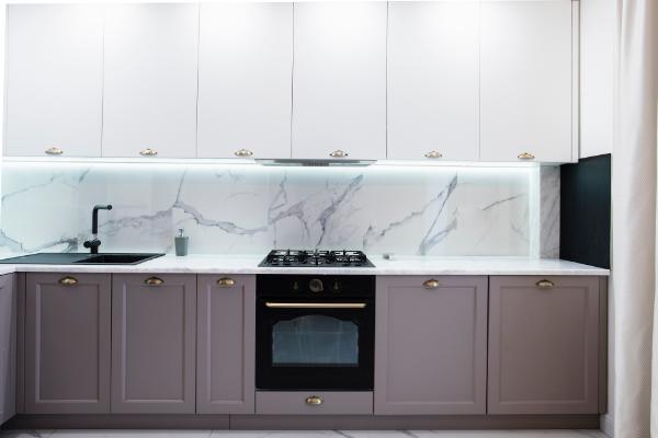yüksek kontrastlı mutfak tasarım fikirleri