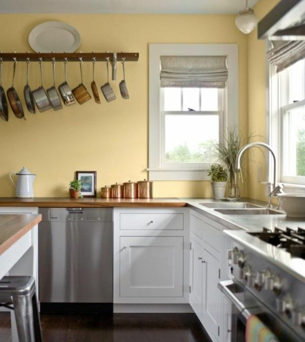 duvar rengi sarı duvar rustik dekor fikirleri beyaz mutfak