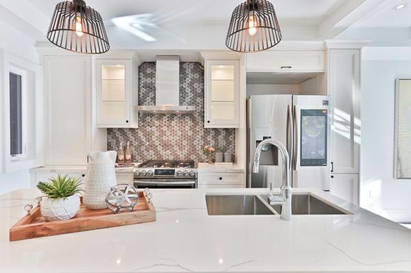 beyaz mutfak hangi duvar rengi güzel mutfak arka duvar