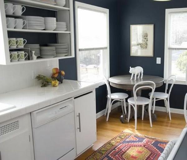 beyaz mutfak hangi duvar rengi koyu mavi duvarlar güzel halı koşucuları