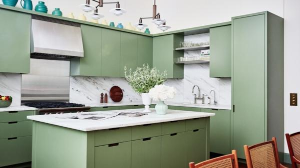 ada ile modern mutfak yeşil mutfak mobilyası beyaz tezgah mermer mutfak arka duvar