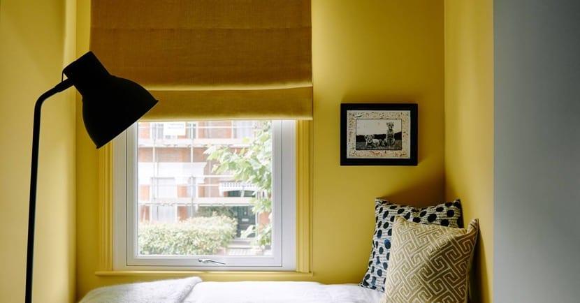 iyi kullanılmış alana sahip yatak odası