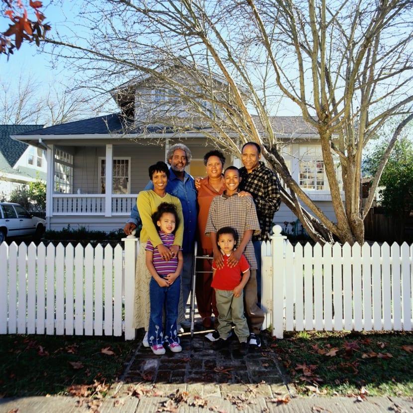 aynı evde yaşayan aile