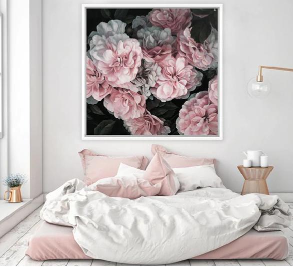 yatak odasını resimlerle dekore etmek