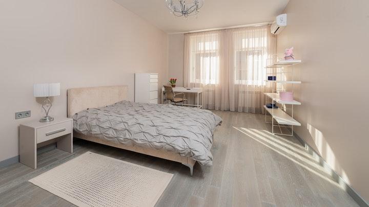 yatak odasındaki raflar