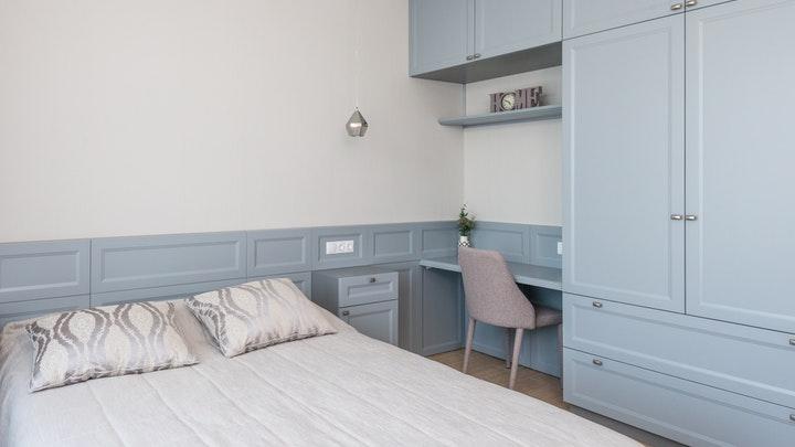 yatak odası-in-mavi-renk