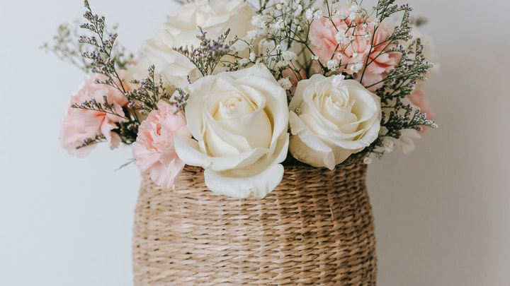 romantik bir dekorasyon için güller