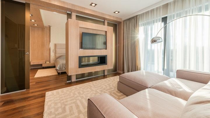 oturma odası-kanepe-ve-televizyon