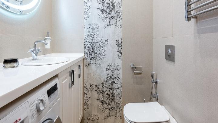 çamaşır makinesi ile banyo